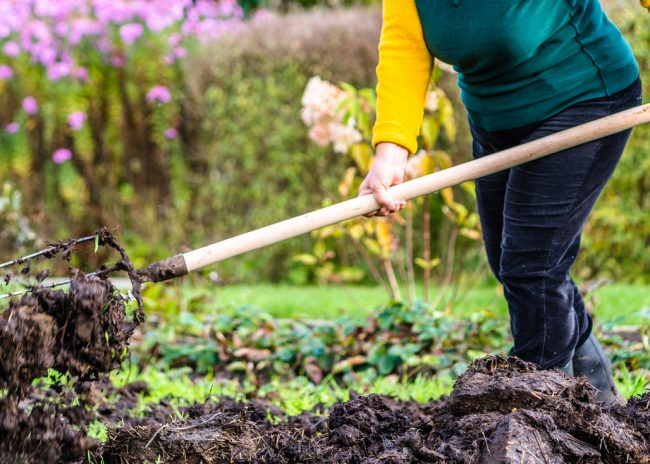 The Kitchen Garden – A Simple Guide To Making Your Own Compost